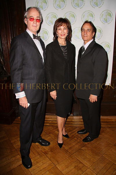 NEW YORK - OCTOBER 02:  President of the National Arts Club Aldon James and Actress Anne Archer attend the Worldwide Children's Foundation Fundraising Gala at The National Arts Club in New York City.  (Photo by Steve Mack/S.D. Mack Pictures) *** Local Caption *** Aldon James; Anne Archer