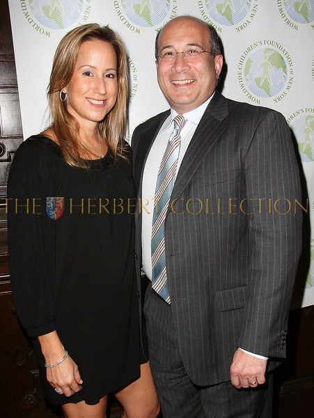 NEW YORK - OCTOBER 02:  Worldwide Children's Foundation Board Member Lisa Singer and Television Personality Ron Insana attend the Worldwide Children's Foundation Fundraising Gala at The National Arts Club in New York City.  (Photo by Steve Mack/S.D. Mack Pictures) *** Local Caption *** Lisa Singer; Ron Insana