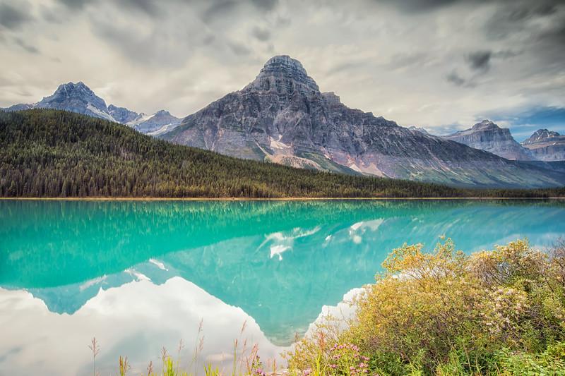 Mistaya Lake's turquoise reflections