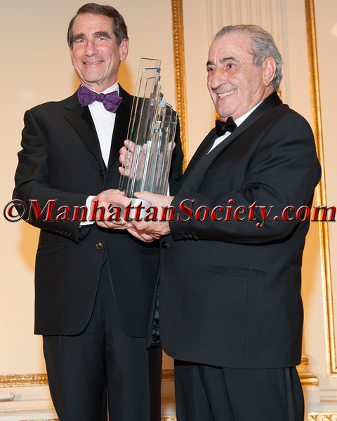 Alan Solomont, Spain-U.S. Chamber of Commerce Business Leader of The Year Juan José Hidalgo Acera