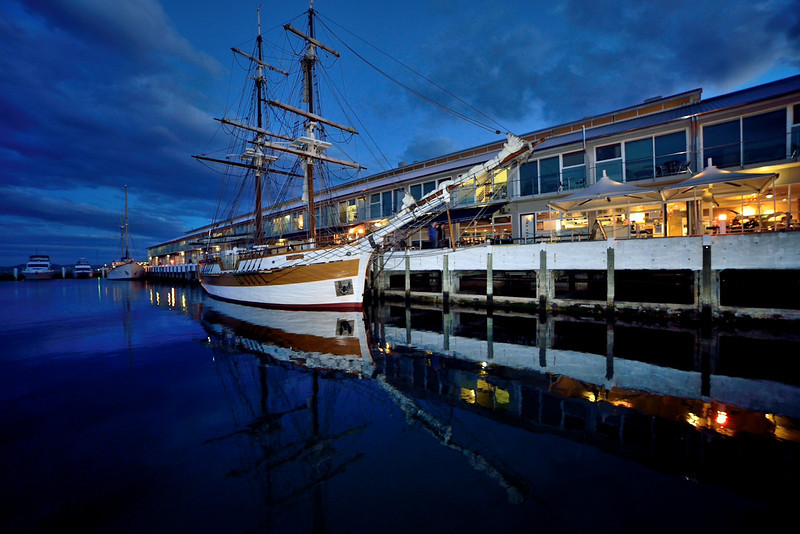 Dusk at the Hobart waterfront