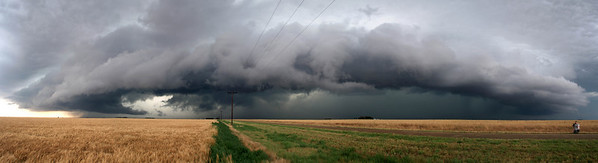 Huge storm showing mesocyclone and inflow winds, Texas, USA Olympus E1, 14-54mm, 1/200s, F5.6
