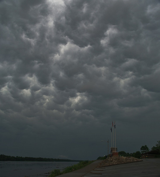 Amazing whales mouth effect from Storm chase in 2007. Oly E3, 14-54mm.