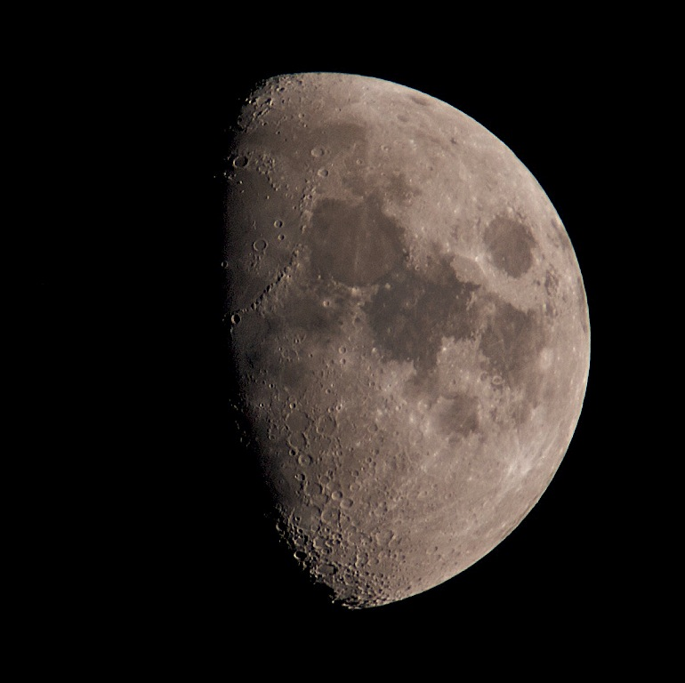 waxing gibbous moon, 01 June 2009. Olympus E3, 90-250mm with x2TC
