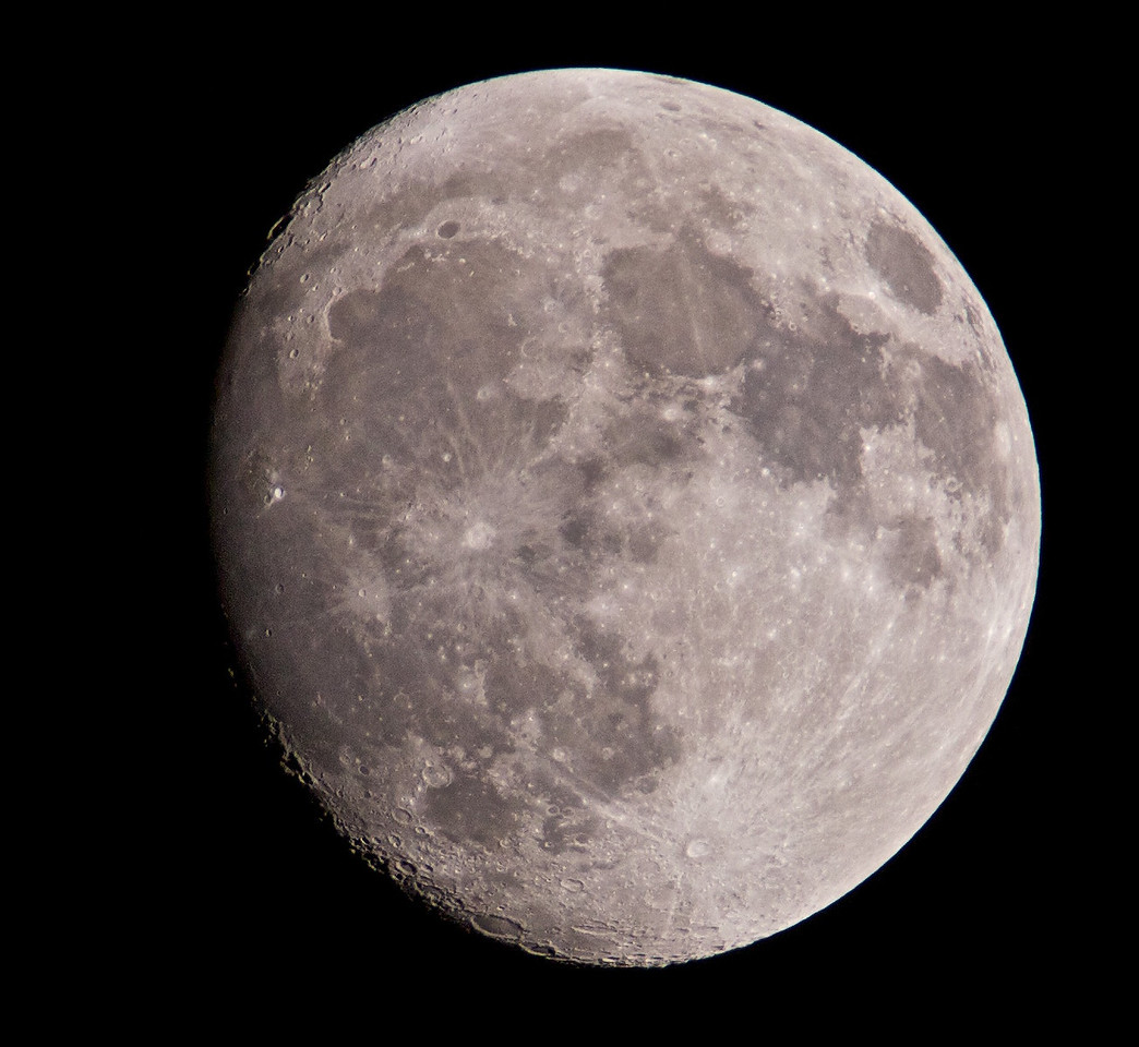 05 March 2012. Waxing Lenten moon. Nice clear skies and a nice sharp capture. The best I can get from a camera without a scope. Captured with Olympus E5, 90-250mm with x2TC. F5.6, 1/400, ISO 200