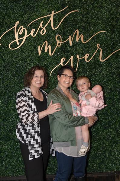 Saddleback Irvine South Mother's Day portrait - photo by Allen Siu 2018-05-12