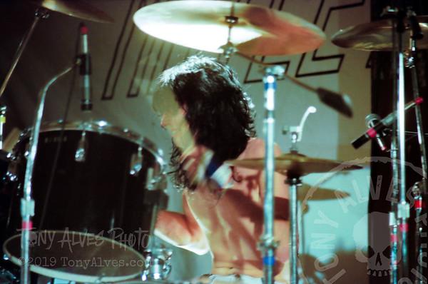Motley-Crue-1982-04-19_022