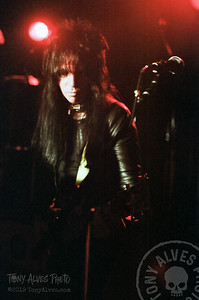 Motley-Crue-1982-04-19_003