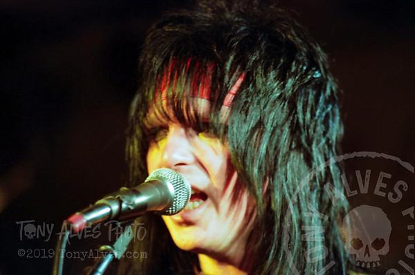 Motley-Crue-1982-04-19_026