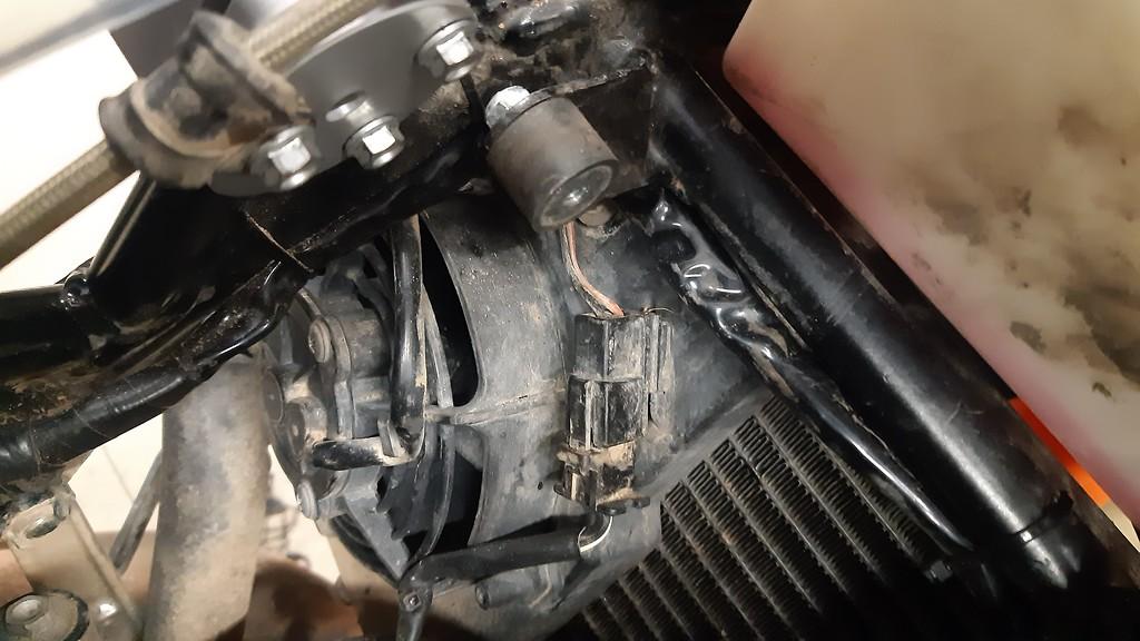améliorations Husqvarna 701 enduro ET KTM 690 enduro - Page 22 20200401_205658-XL