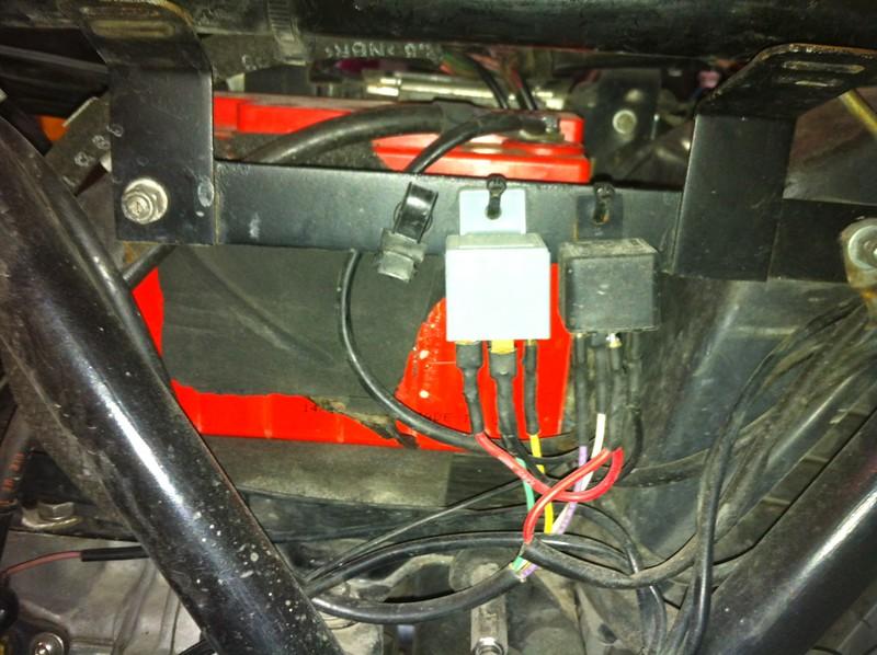 Modification du faisceau électrique, avec montage du code et phare sur relais.