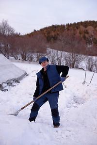 Michel en a déjà plein les bottes ! elle est lourde cette PU**** de Neige !