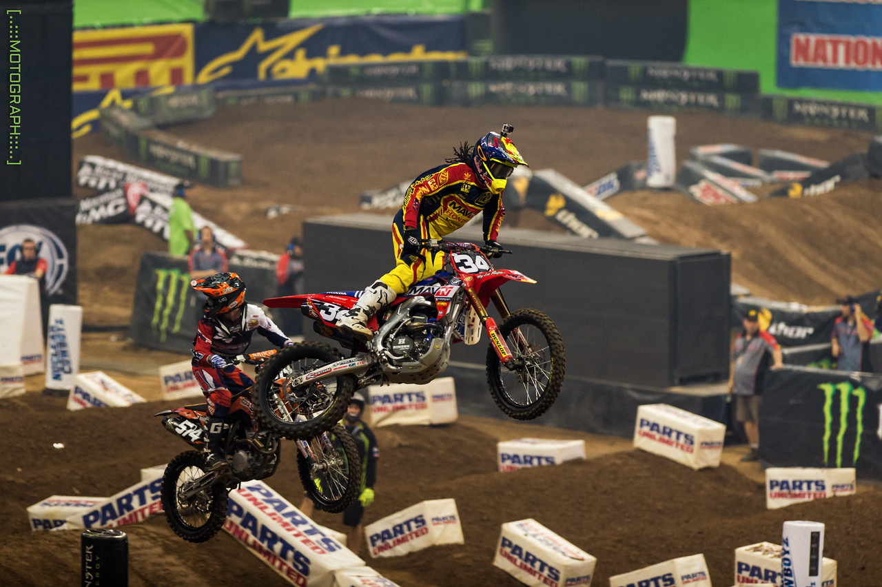 Malcolm Stewart battled hard for 3rd overall in the 250 class