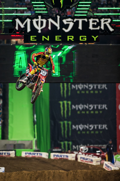 Cole Seely took the win in his Heat race, but relinquished the overall win to rival Jason Alexander