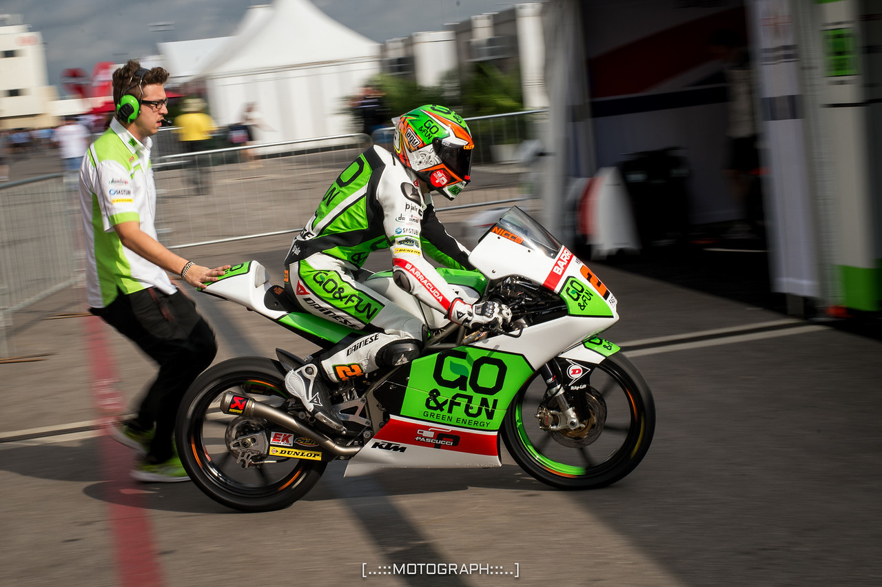 Niccolò Antonelli ducks into the pits for a setup change during Saturday practice