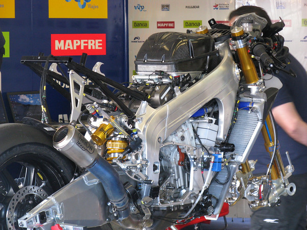 Aspar's Aprilia RSV4--based CRT bike at the Jerez test in 2012