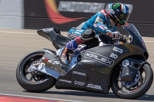 Alex Marquez riding the Kalex Triumph Moto2 bike at Motorland Aragon