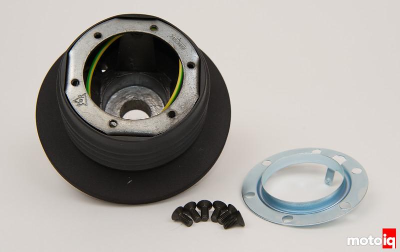 MOMO steering hub adapter