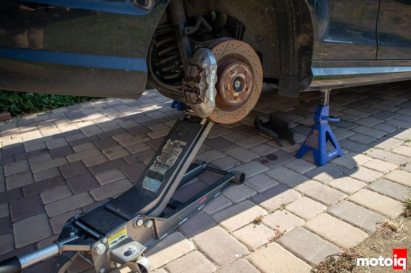 Jacking up C63 AMG rear suspension