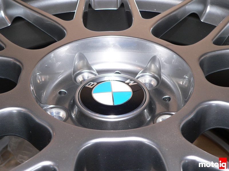 APEX Arc-8 with BMW Roundel cap