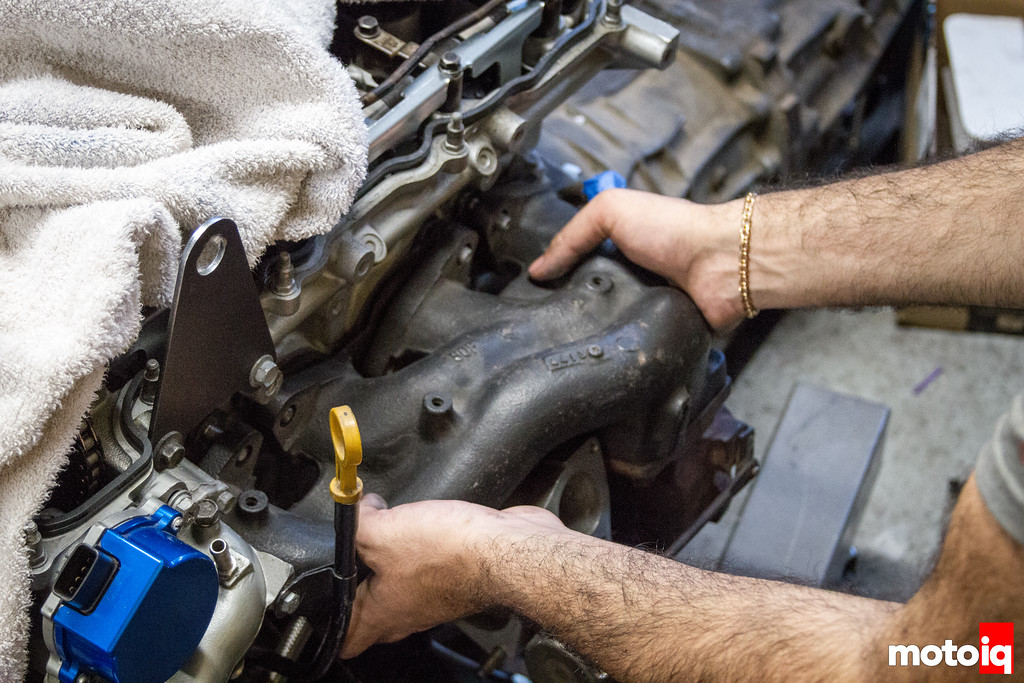 Installing a stock SR20 exhaust manifold