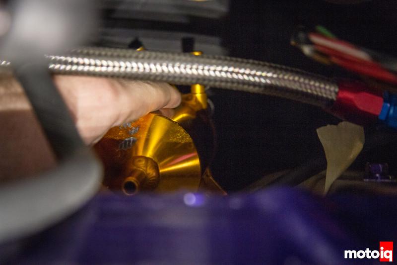 Mounting a swirl pot