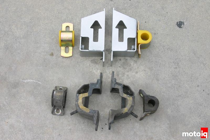 Whiteline Heavy Duty rear swaybar mount kit for STi