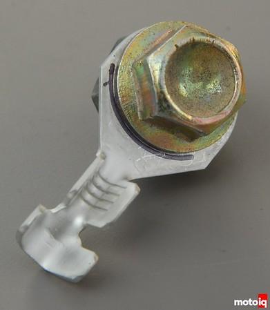 TE610 ring terminal bolt head mark bend