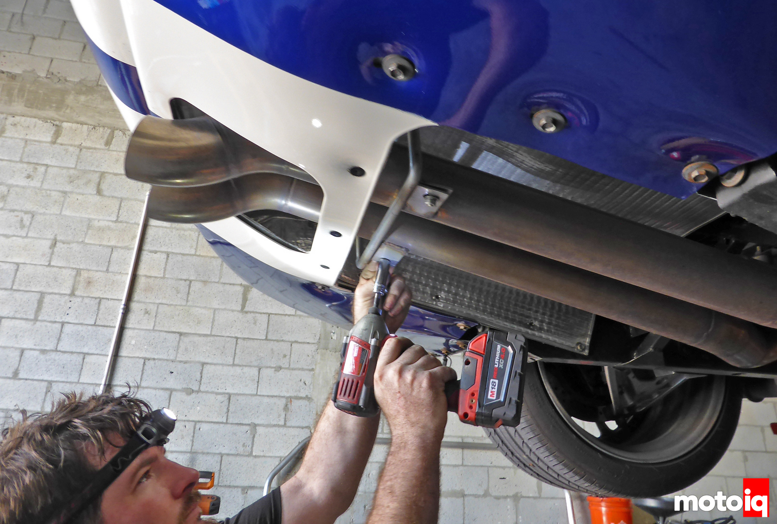 Viper GTS Rear Exhaust Removal