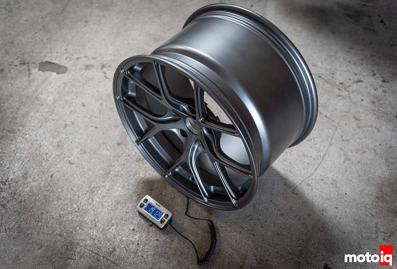 front wheel weight - 19lbs 12.9oz