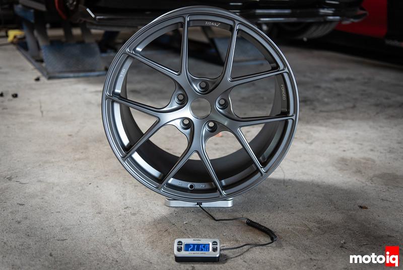 rear wheel weight - 21lb 15oz