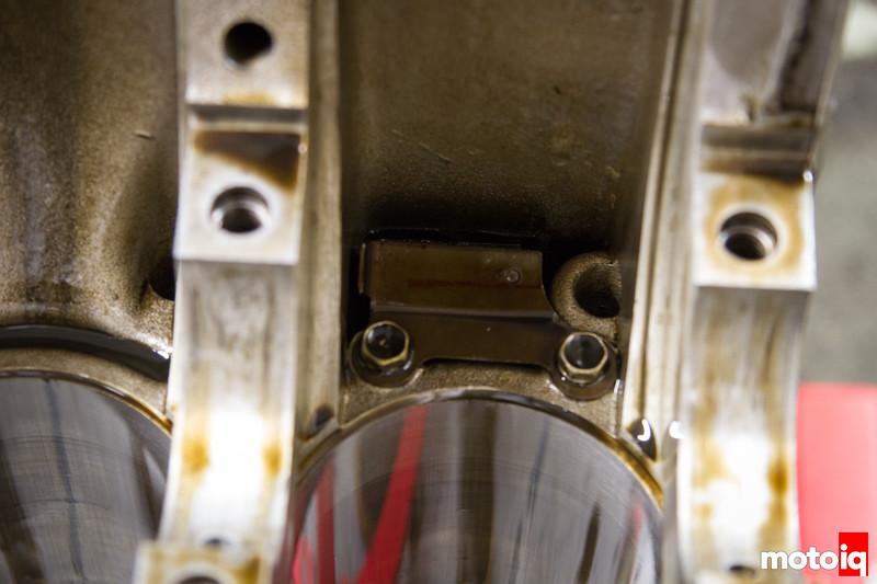 Removing SR20 crancase vent baffle