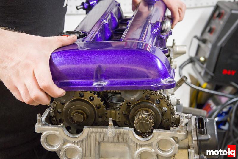 Removing SR20 valve cover