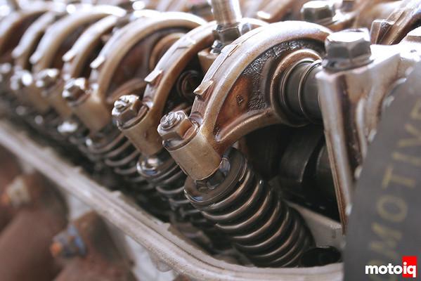Honda D-series engine valvetrain