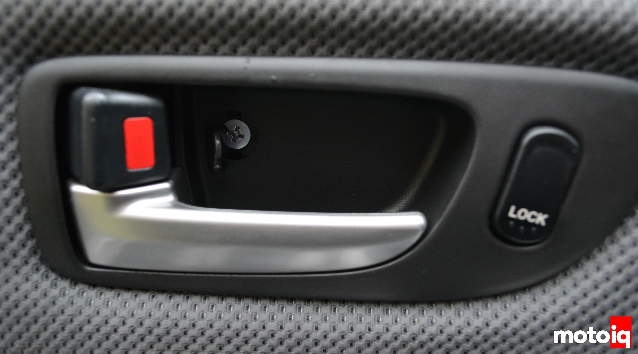 Car door handle broken can t open door