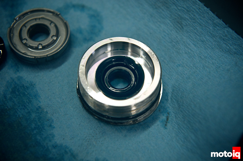 Old oil seal on the ring nut