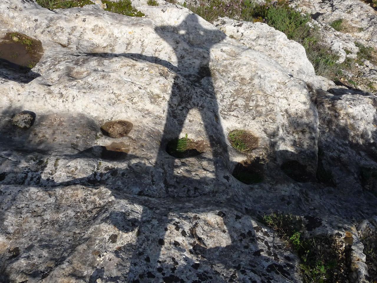 Siamo nulla Siamo ombre Ma quelle ombre sono il frutto di ogni reale resistenza alle avversità della vita. Noi si muore,morirà anche la nostra ombra.