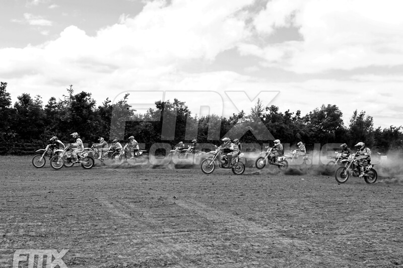 Start of the Grade A, B race.