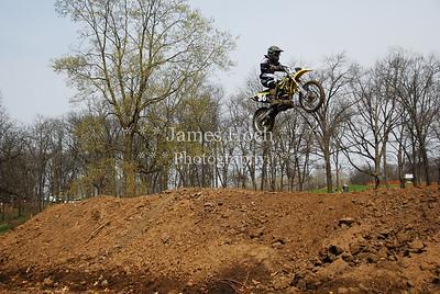 036 White Yellow-0