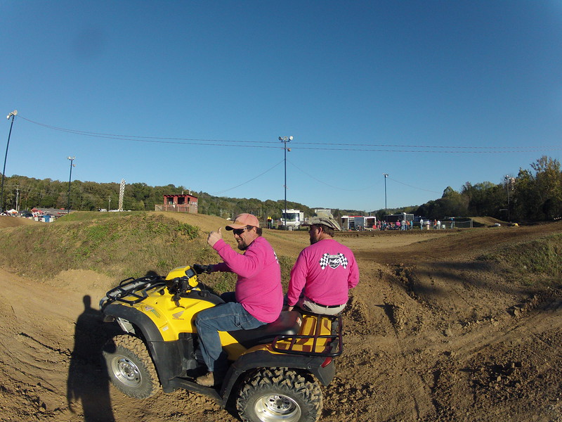 I40 - Pink Out - 2015-10-17 1742.140