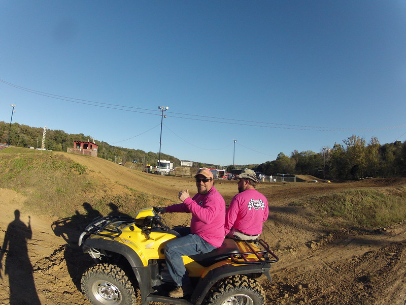 I40 - Pink Out - 2015-10-17 1742.130 (2)