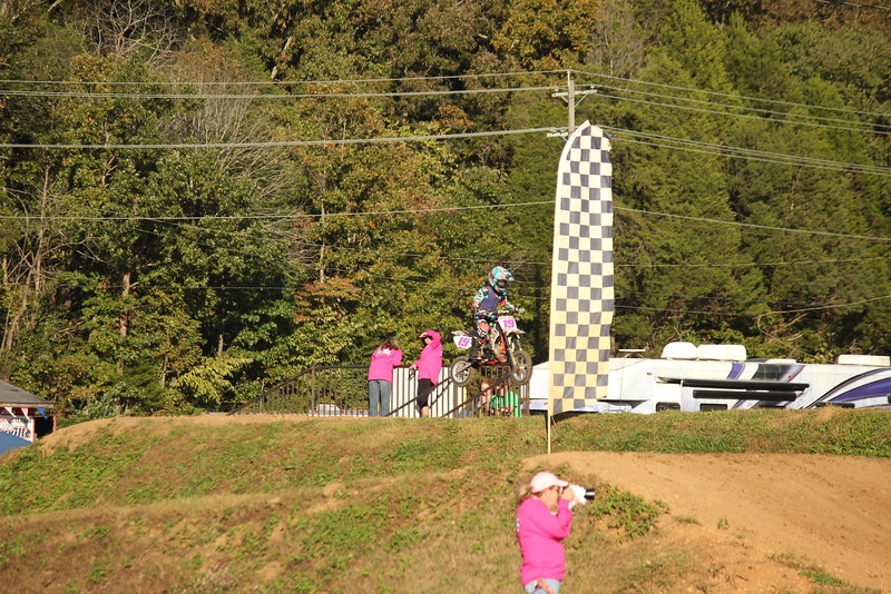 I40 - Pink Out - 2015-10-17 1742.550