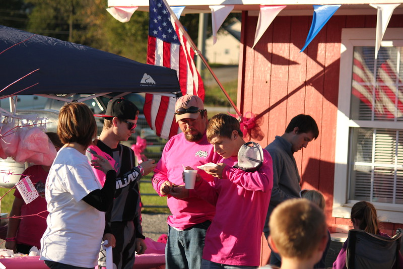 I40 - Pink Out - 2015-10-17 1804.060