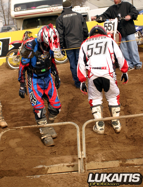 Kenny and Chris Bordzuk prepare for the first 250 moto together.