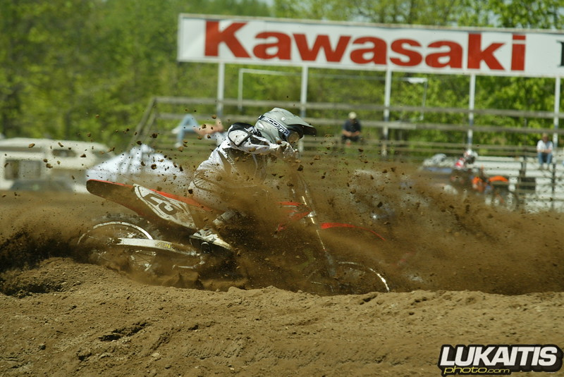 Eatin dirt. Vic Palmieri shows why it's better to be out front.