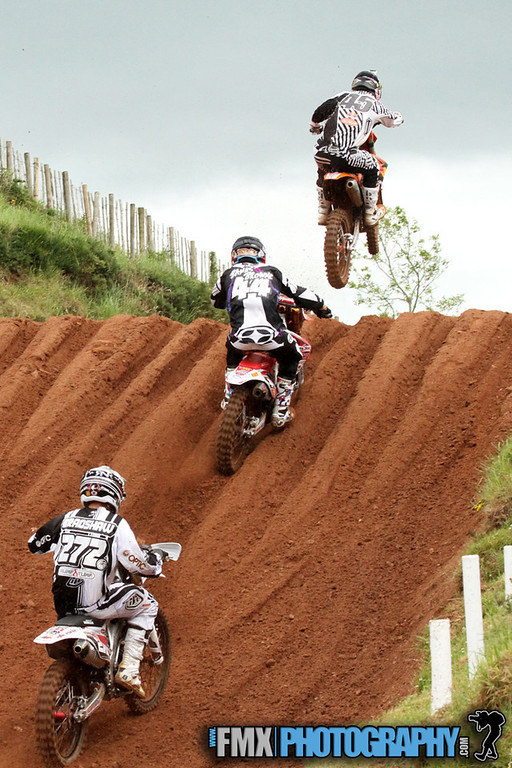 Nicolls,Banks Browne and bradshaw battle with each other through the tough sandy track
