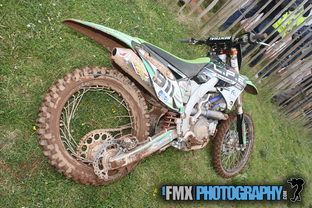 Stena jump gone wrong, Peter Mitchell leaves his bike not in a good state.