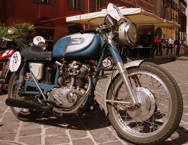 Great story this bike - It was built completely on eBay - parts were bought from 15 countries and assembled by Andrew Hunt for his wife Claudia to ride.