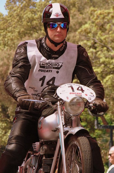 Rich Lambrechts and the Mondial 125 at the start.