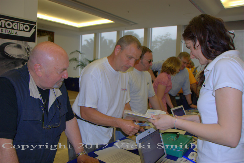 """Registration is always a great place to run into friends waiting in line to complete paperwork.  That's """"English Pete"""", another of this events regulars"""
